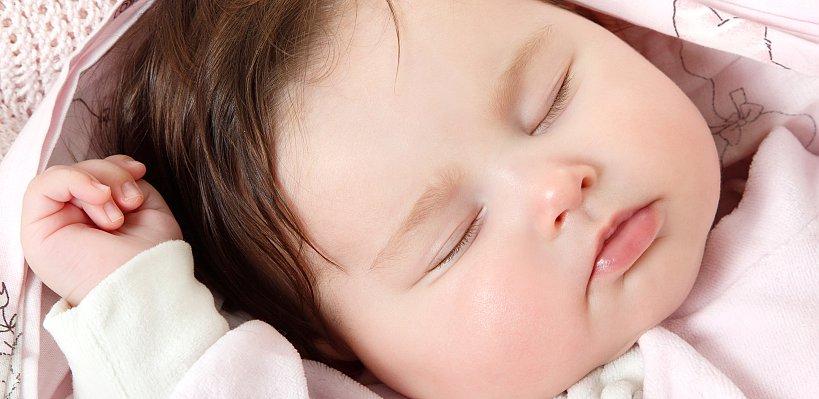 Bebeğinize kendi kendine uyumasını öğretebilirsiniz