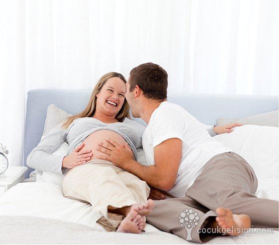 hamilelikte 9 ayda cinsel ilişkiye girilir mi